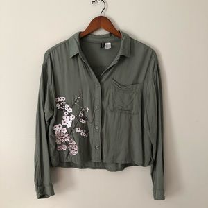 Cropped Button Down Shirt With Embroidered Flowers